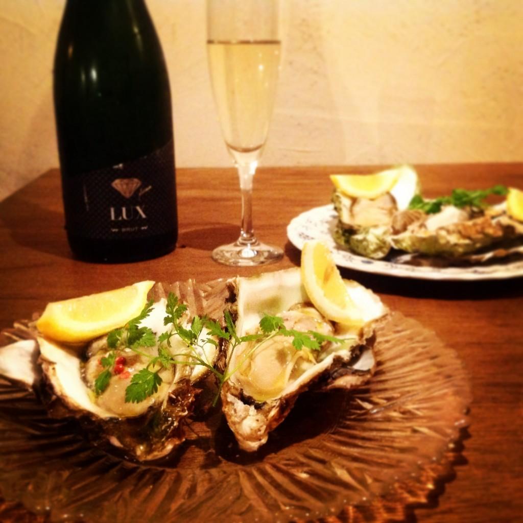 牡蠣とカヴァ