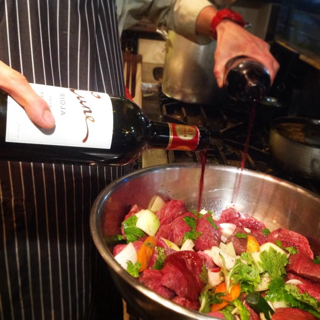 牛タン  シチュー  赤ワイン
