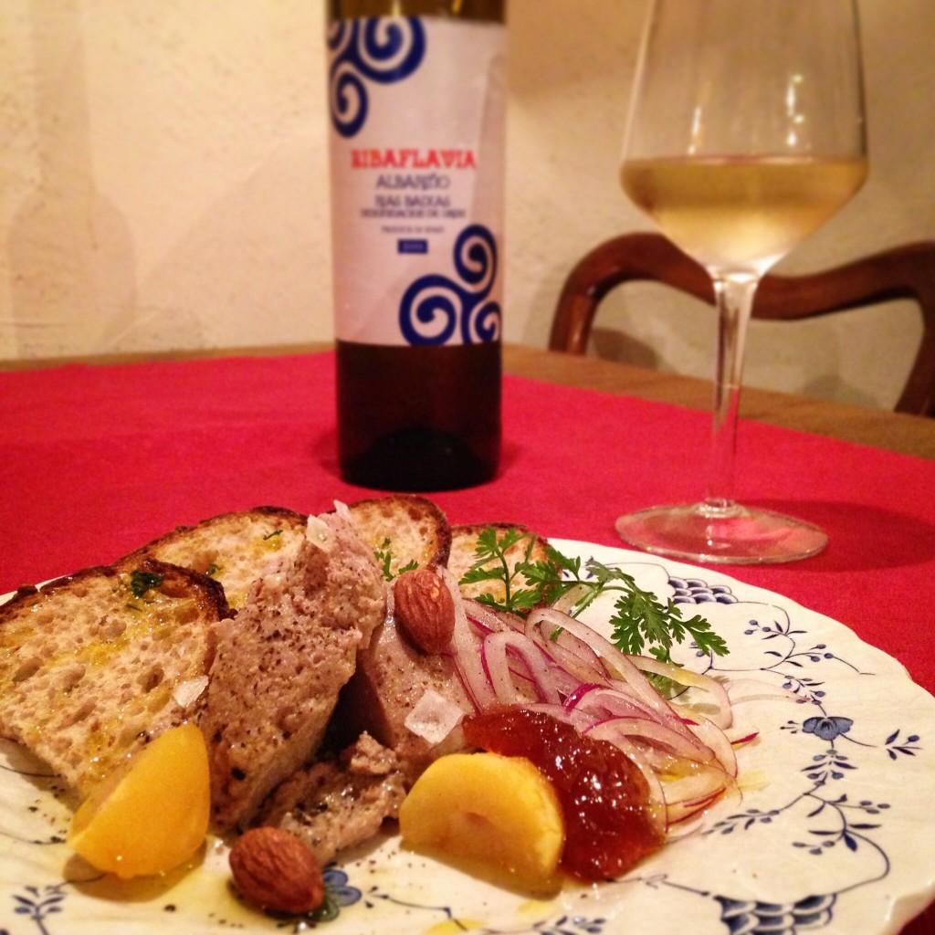白ワイン  と  レバーペースト
